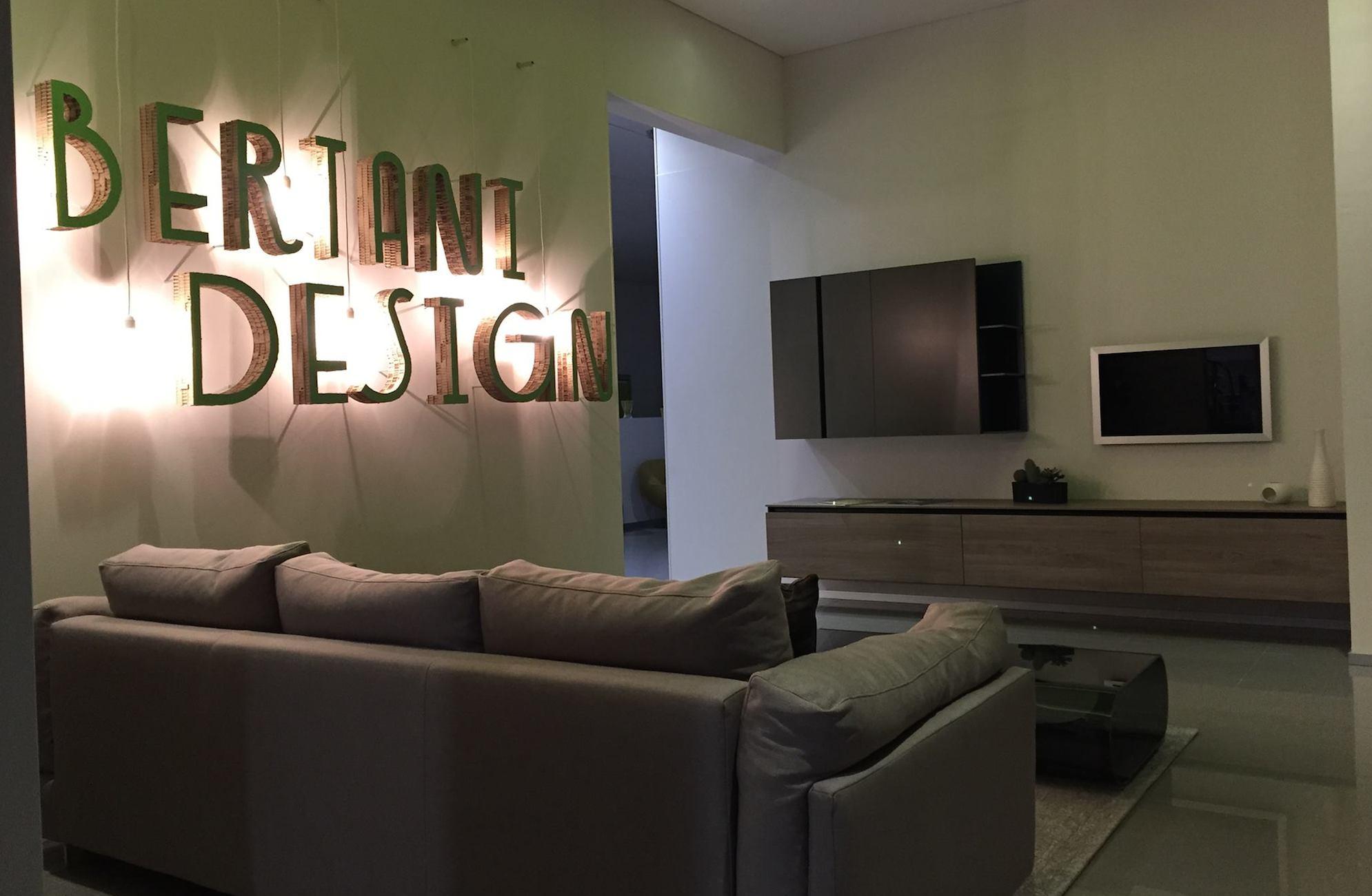 Store cuborosso cuborosso divani for Miceli arredamenti