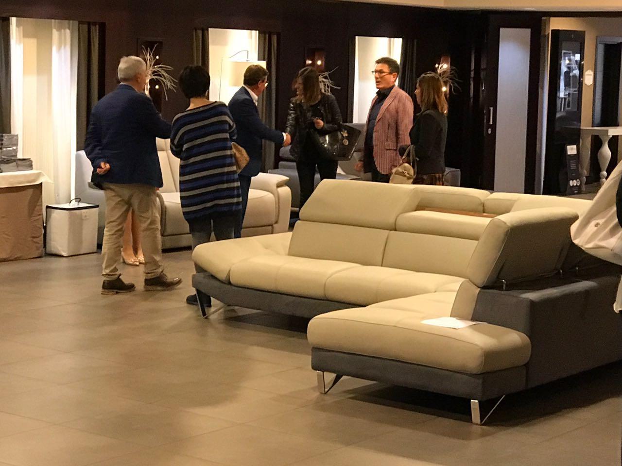 Salotti Calabria Moncalieri.Cubo Lancio Portalecuborosso Rosso Meeting Calabria Store